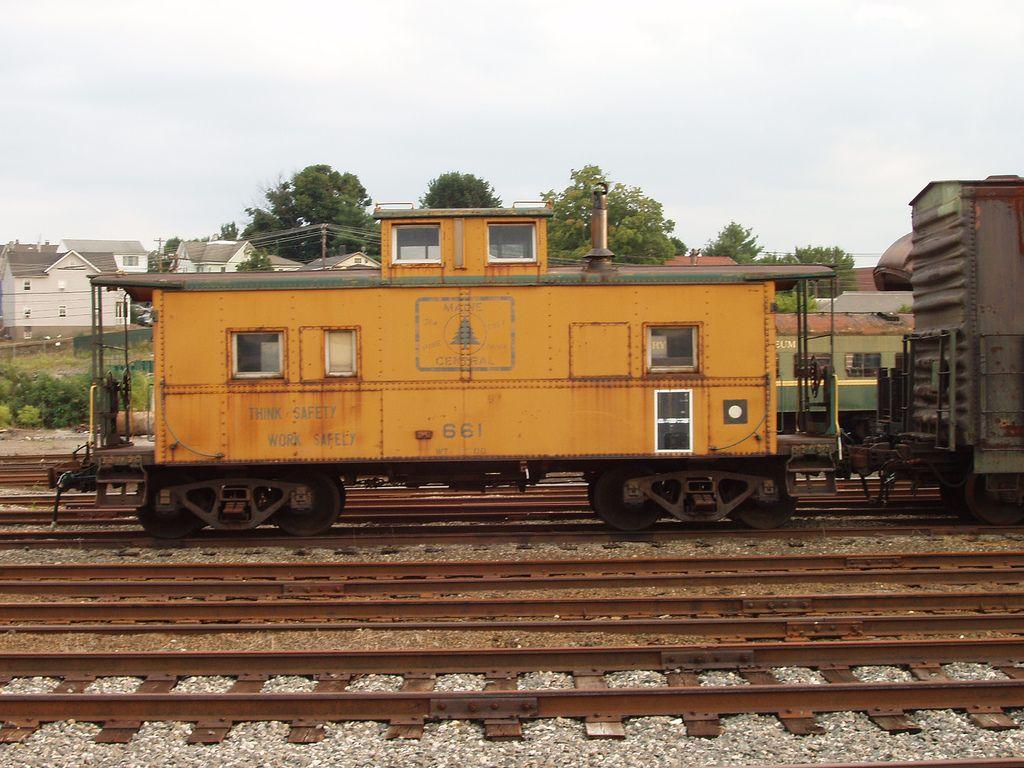 MEC Caboose in 2019 Pullman car, Railroad photography
