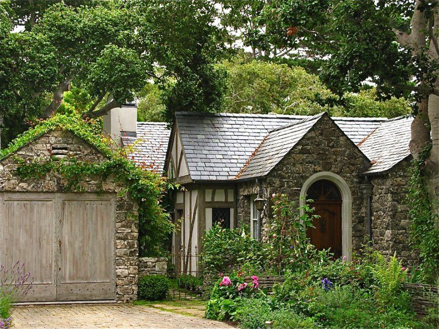 Biddlestone Cottage in Carmel