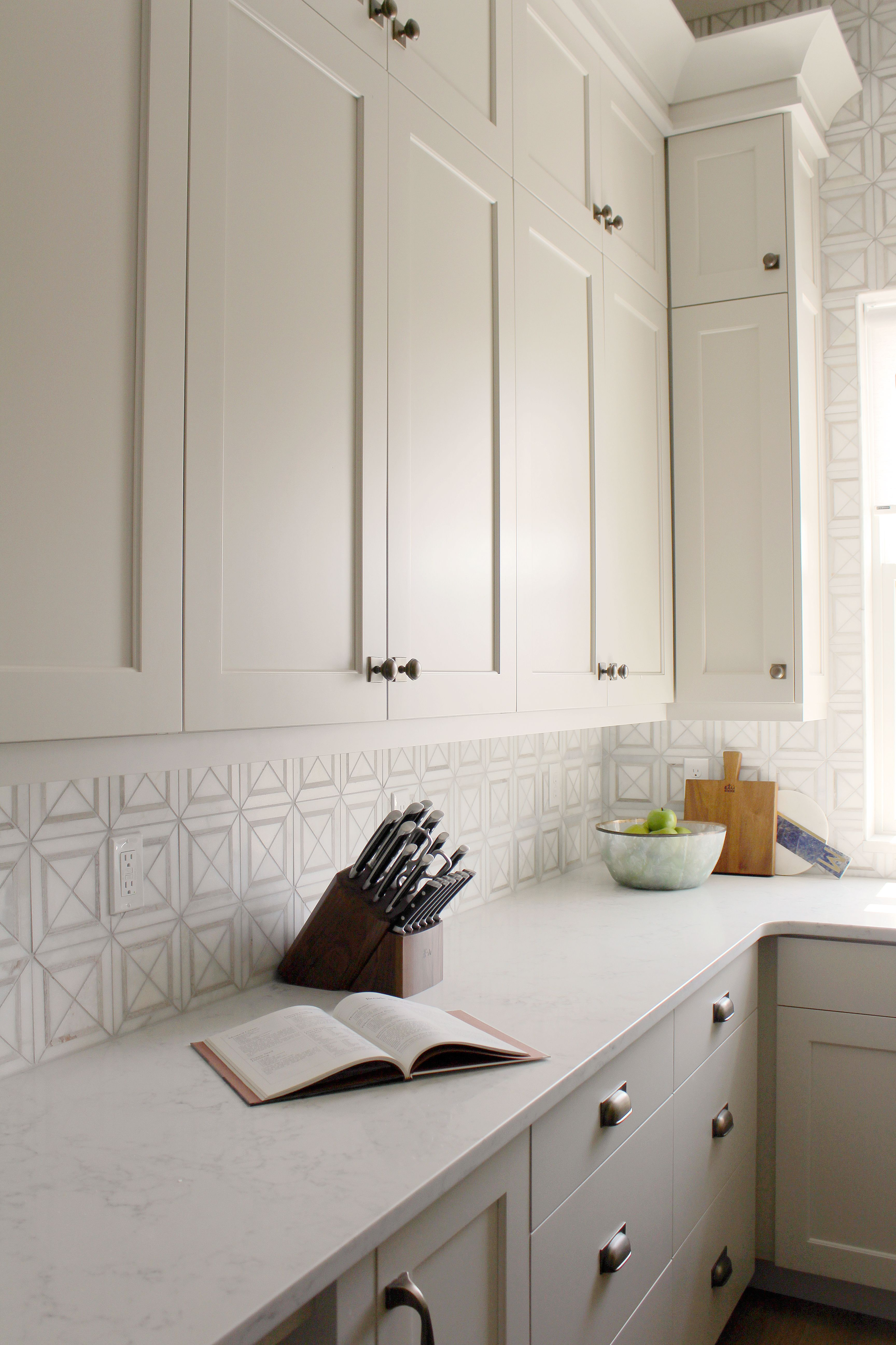 Gray Kitchen Cabinets Benjamin Moore Cabinet Color Is Benjamin Moore Edgecomb Gray Cabinet Paint