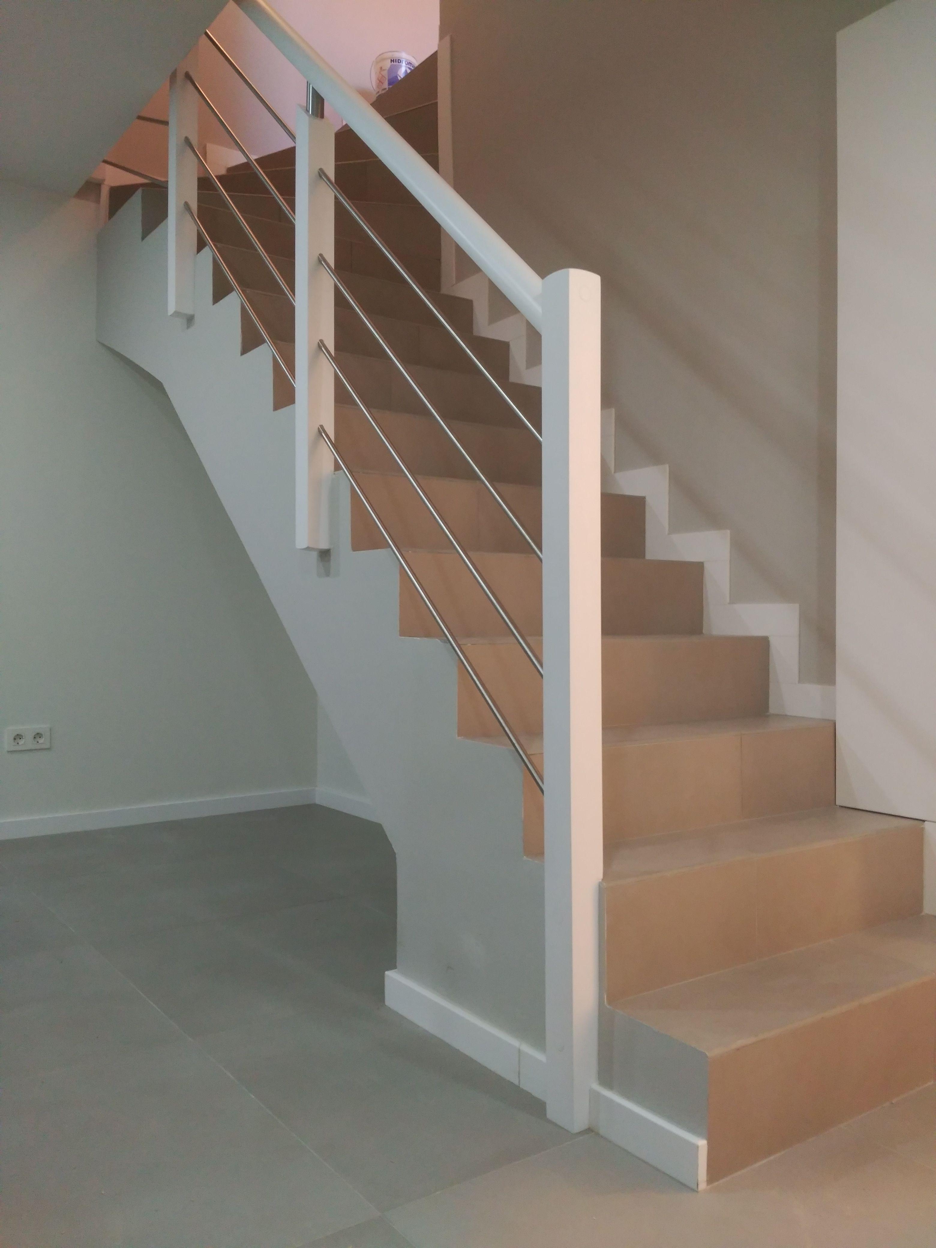 Barandilla para escalera de obra en 2019 barandillas pinterest - Barandillas de madera para interior ...
