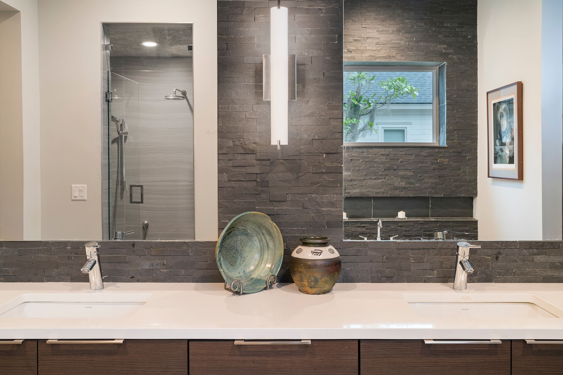 Another great looking guest bath Countertop is