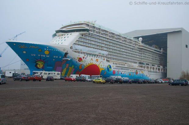 Ausdocken Norwegian Breakaway: Bilder, Webcam, Videos – direkt von der Meyer Werft   Schiffe und Kreuzfahrten - Die Kreuzfahrtreporter