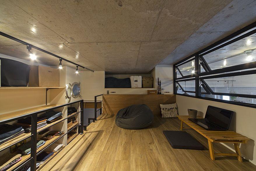 天井裏のスペースがかなりある為 思い切って天井高をグッと高くし