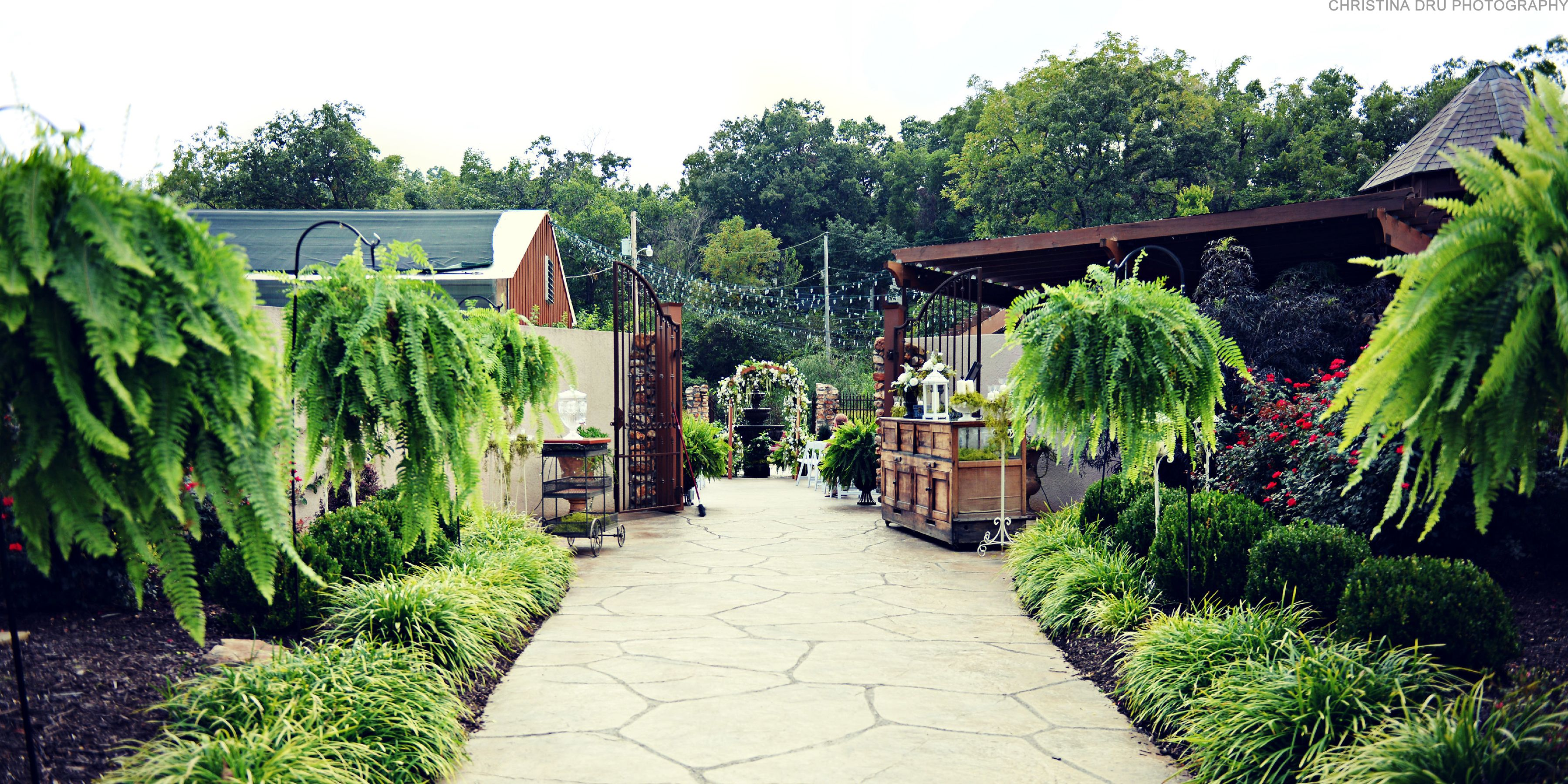 Springhouse Gardens Is An Outdoor Wedding Reception And Event Venue With The Added Convenience Of