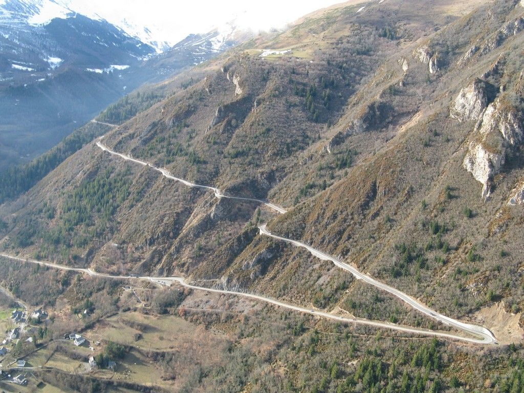 Plat d' Adet Open road, Natural landmarks