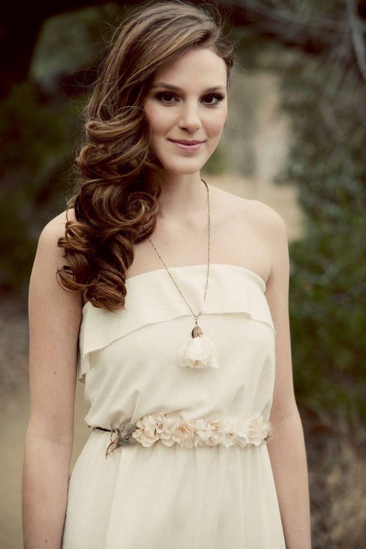 Brautfrisuren seitlich offen gesteckt  Locken seitlich getragen - romantischer Look | Wedding | Pinterest ...