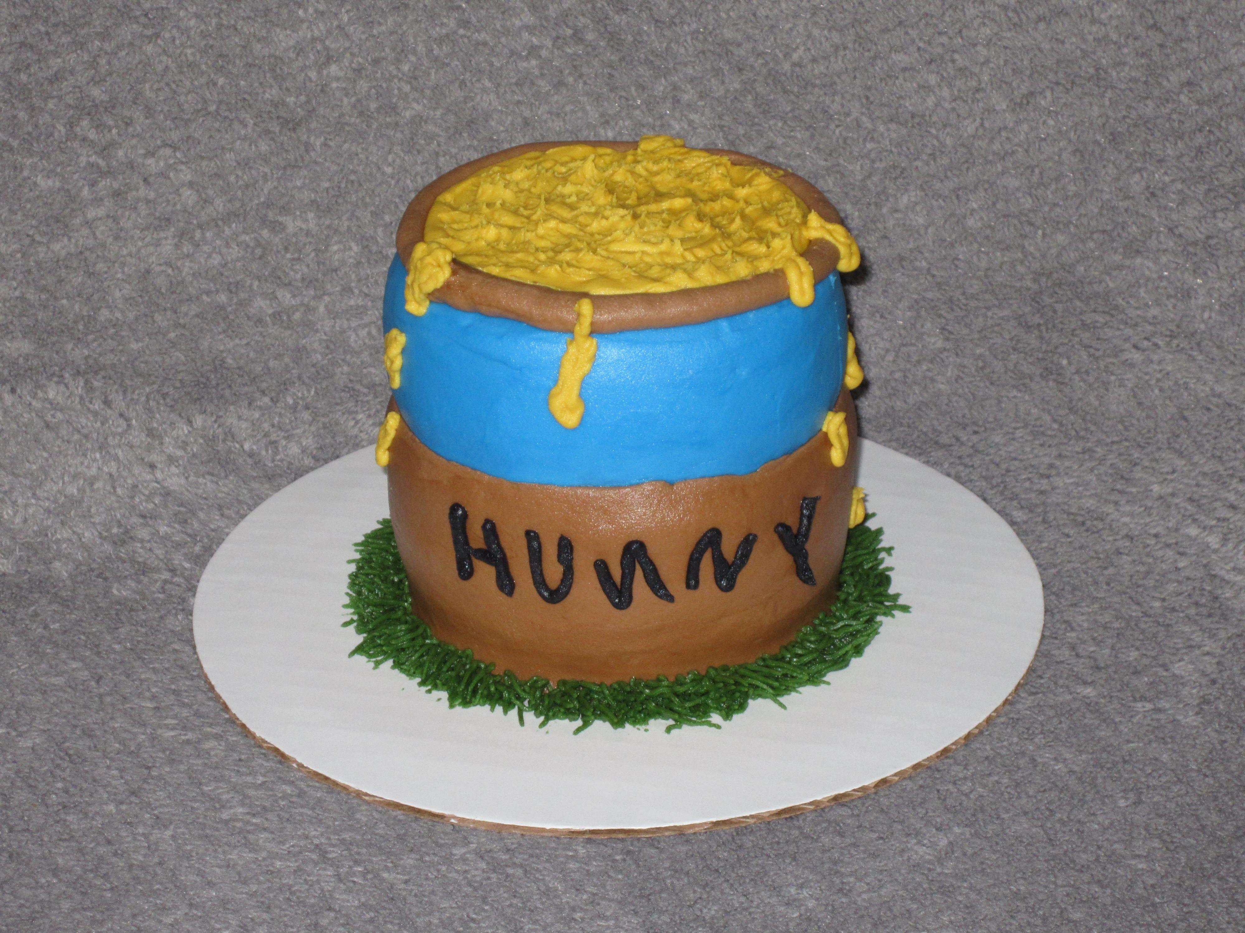 Hunny pot smash cake for babys 1st birthday from winnie