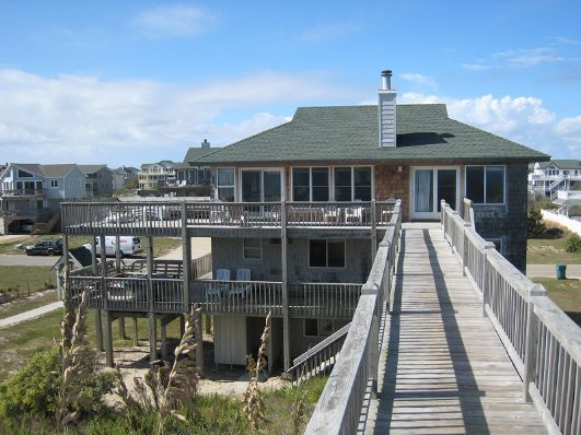 august rush is a 5 bedroom vacation rental home located in corolla rh pinterest com