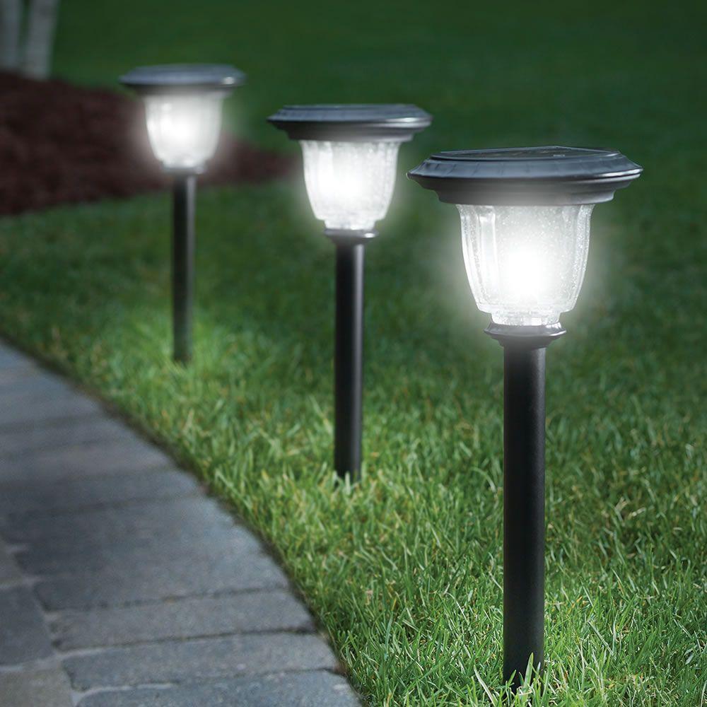 The Best Solar Walkway Light Hammacher Schlemmer Solar Lights