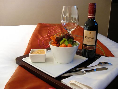 cook food in a hotel room travel tips tricks and treasures no rh pinterest com