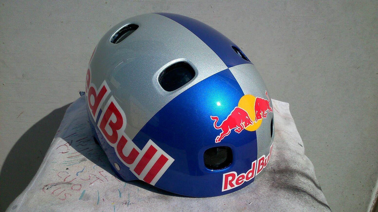 5e080d19f Image result for red bull ski helmet ski helmets red bull skiing ski jpg  1552x873 Red