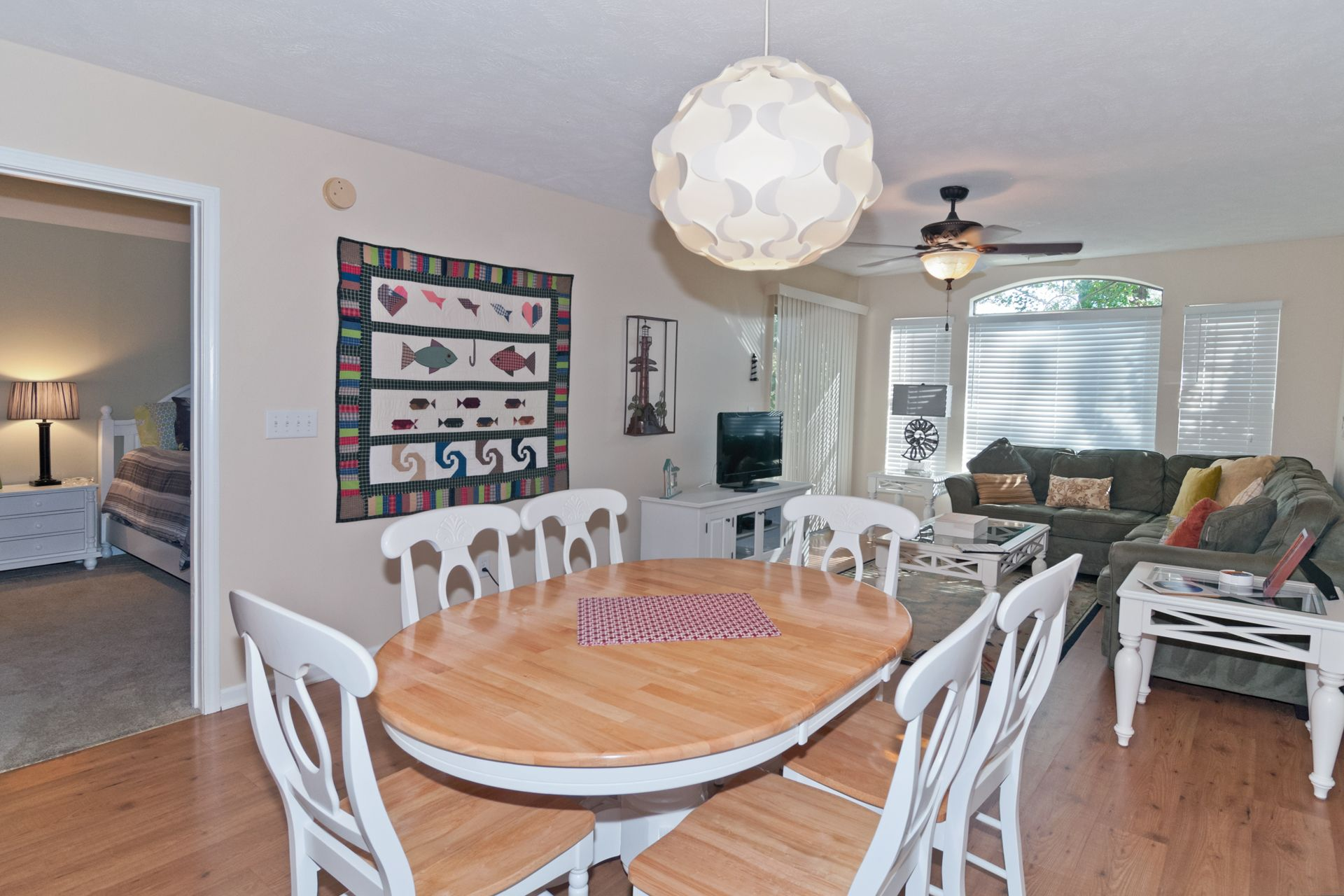 Dining room with seating for 6additional seating at the