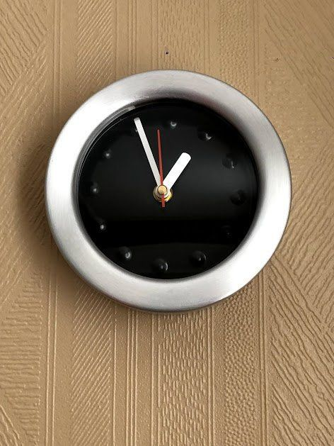 vintage 1990s brushed aluminum round wall clock battery on wall clocks battery operated id=27027