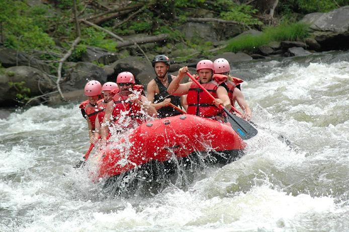 whitewater rafting on the pigeon river tennessee reunion 2014 rh pinterest com