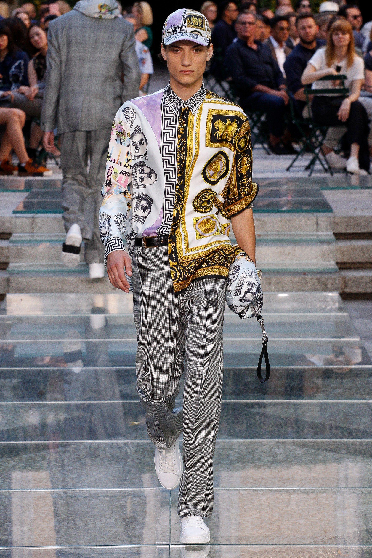 b13b6632f38beb Versace Spring 2018 Menswear Fashion Show   2019, 2018 , 2017   2016 ...