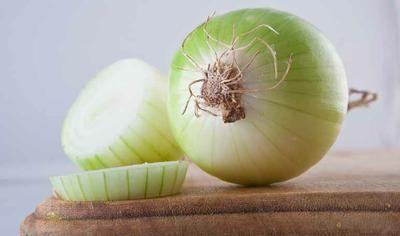 cortar cebolla para la tos