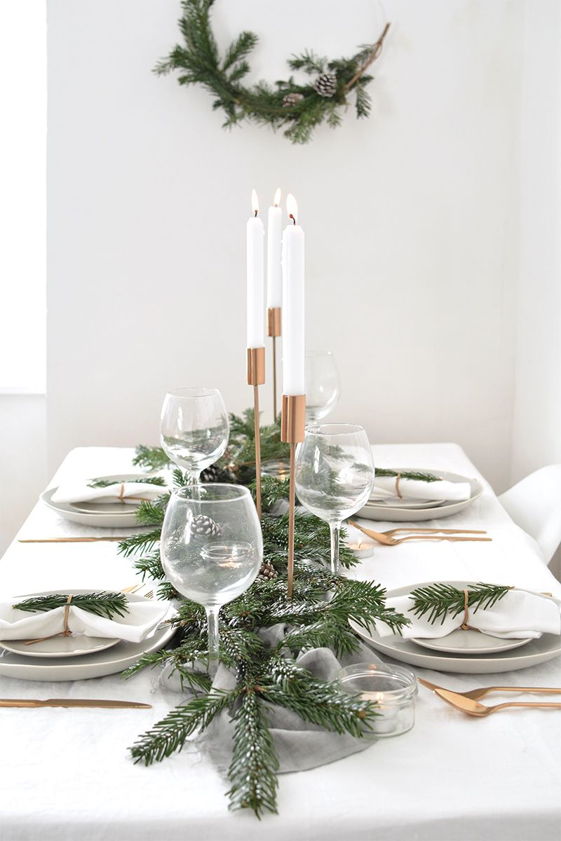 How To Create A Modern Christmas Tablescape Christmas Table Decorations Christmas Table Settings Modern Christmas