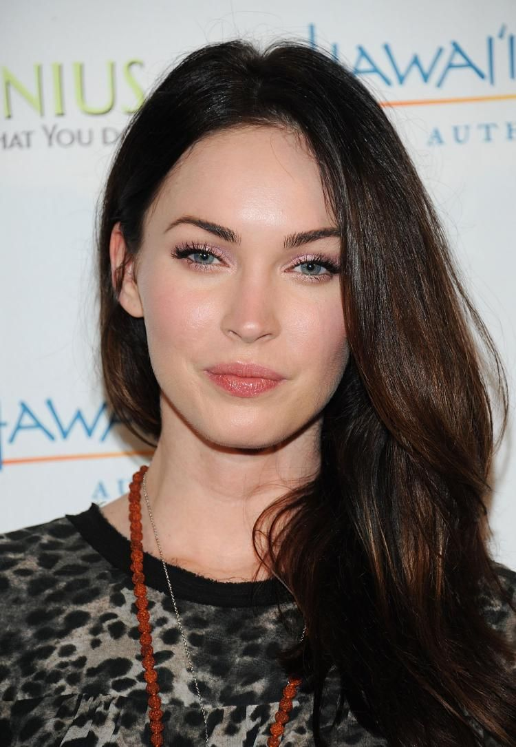 Megan Fox and her ever-changing face | Mujeres bellas, Famosos y Musa