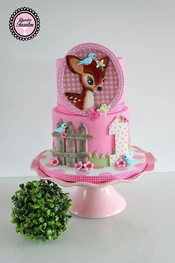 Más Recetas en https://lomejordelaweb.es/ | This is a cute cake for a little girls' part