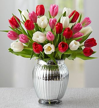 Sweetest Love Tulips 30 Stems Is The Perfect Romantic Gift To Prove You Know How2wow Her 49 99 Tulips In Vase Pink Tulips Bouquet Tulips Arrangement
