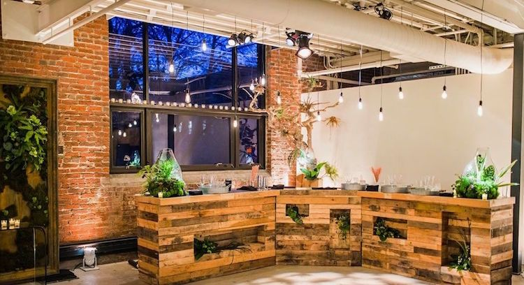 Faire un bar en palette pour créer un espace de vie plus convivial