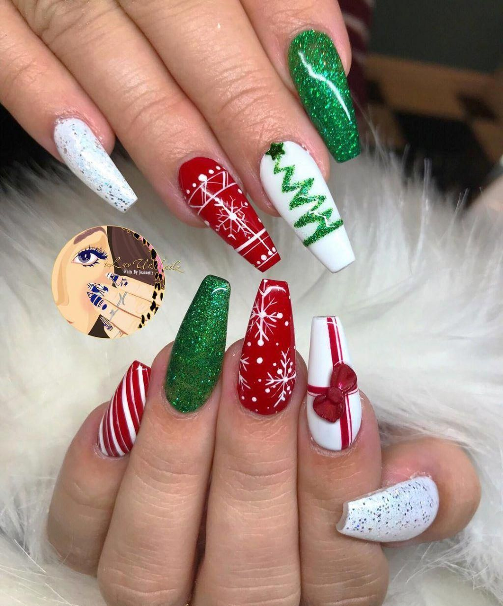 Stunning Coffin Shaped Green and Red Christmas Nails