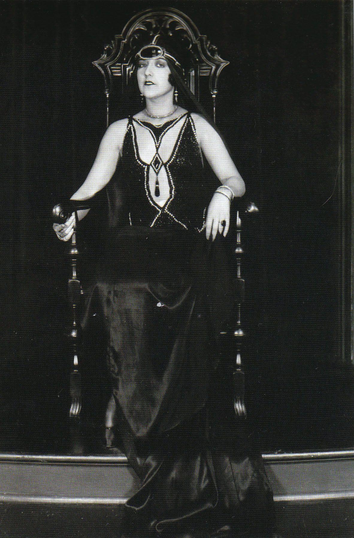 Adriana Serra picture