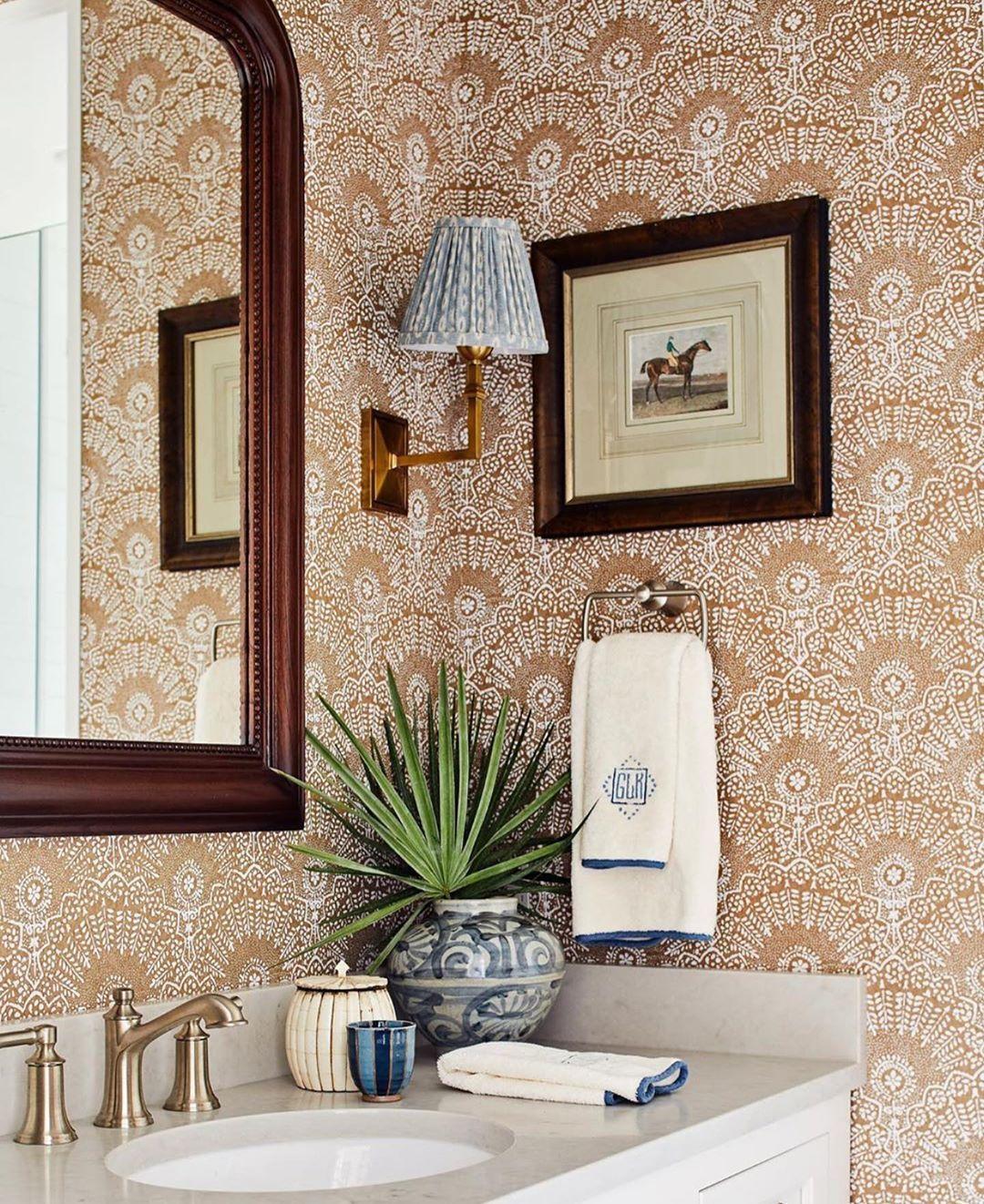 Alexandra Wood On Instagram Powder Room Perfection By Meredithellis I Love The In 2020 Trendy Bathroom Designs Wallpaper Design For Bedroom Bathroom Design Luxury