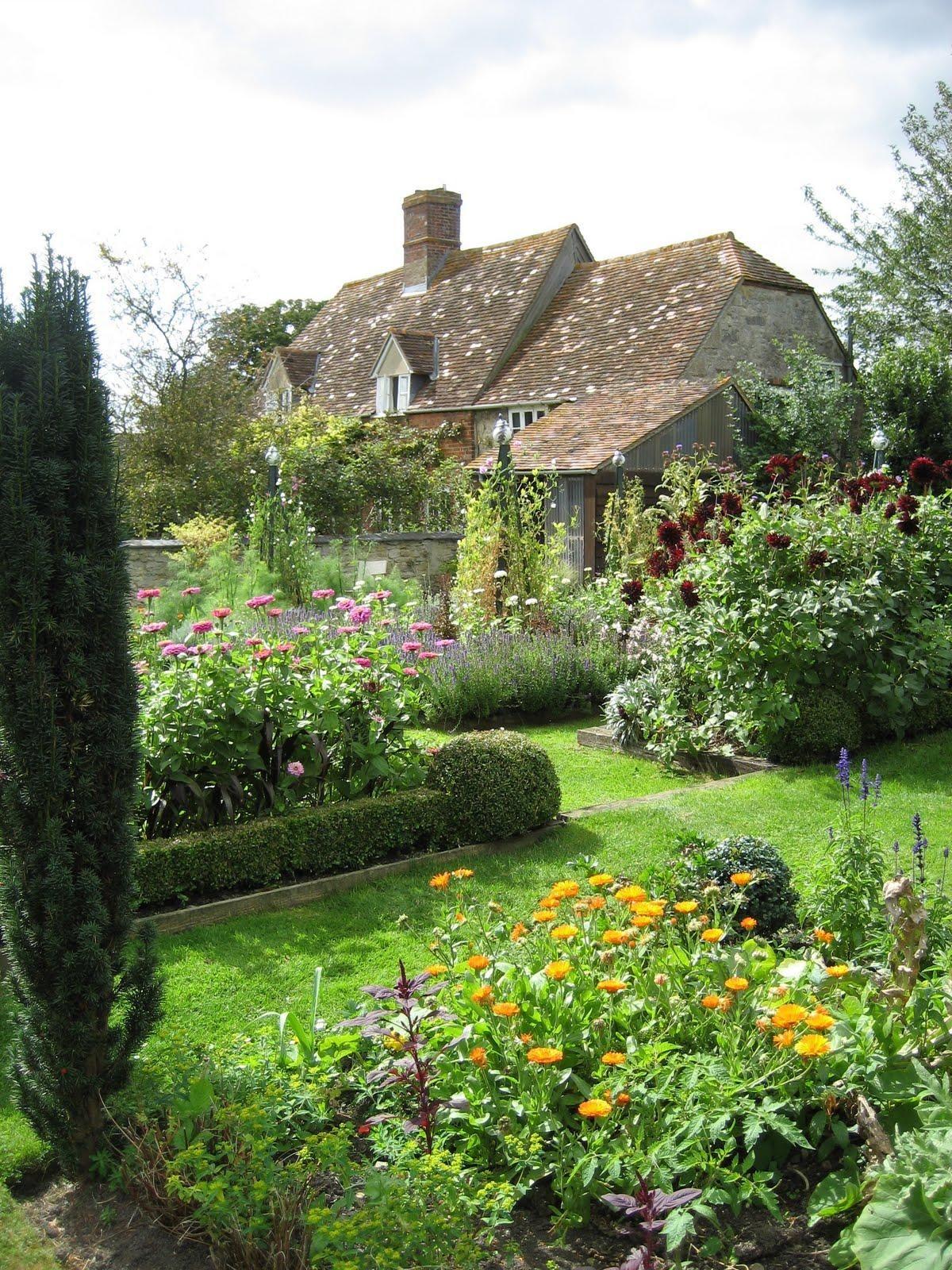 This N That English Garden Design Cottage Garden 400 x 300