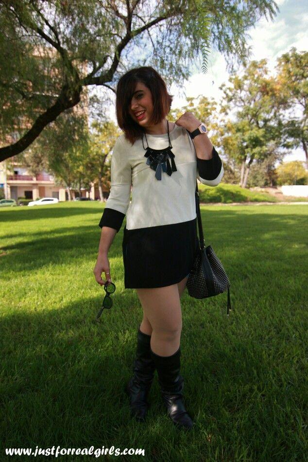 Lluviosa semana se presenta por delante! A sacad las botas de agua! #newlook en http://www.justforrealgirls.com/2015/10/outfit-listas-para-la-lluvia.html ¡FELIZ LUNES! #tdsmoda #justforrealgirls #streerstyle #shoeslover #realgirls #curvygirl #curvyfashion #ootdshare #outfit #style #tflers #fashionista #igersevilla #sevilla #igfashion #fashionblogger #followme #bloggerlife #egoblogger