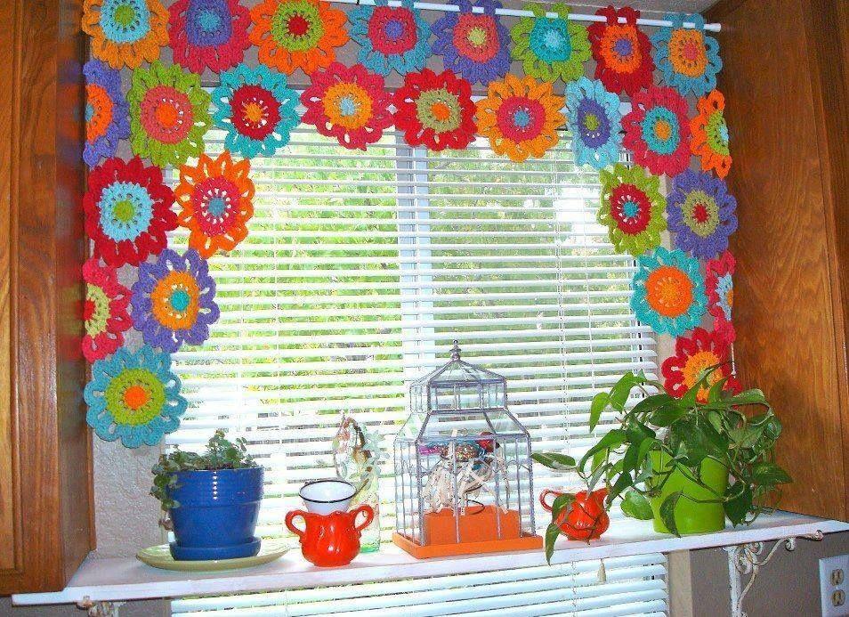 Cortina de flores en crochet  cenefas  Cortinas