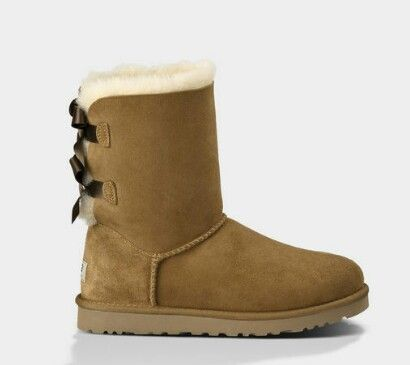 UGG Bailey Bow in Chestnut