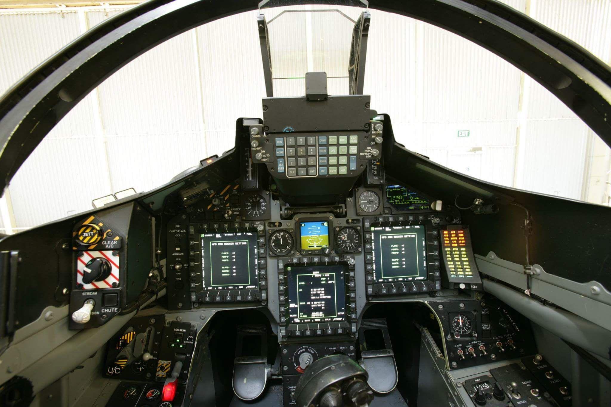 RAAF Hawk 127 cockpit | Australian Military Aviation ...