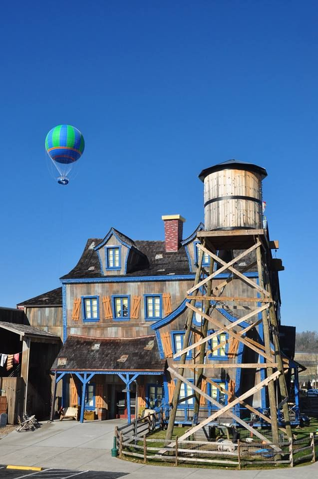the hatfield and mccoys dinner show and wonder works balloon ride rh pinterest com