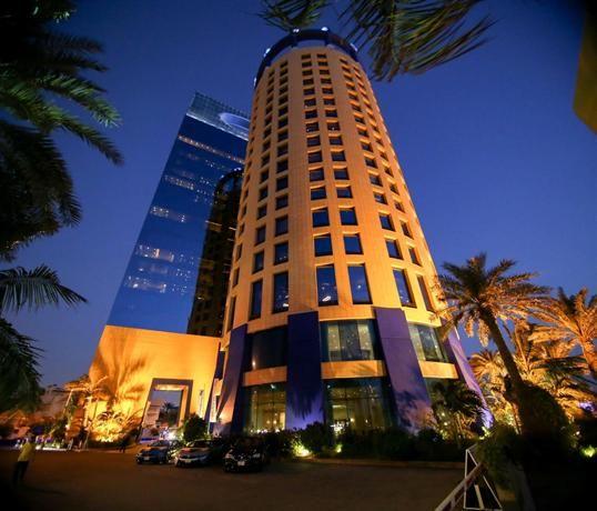 حجز فندق روزوود في شارع الكورنيش بجدة Skyscraper Jeddah Building