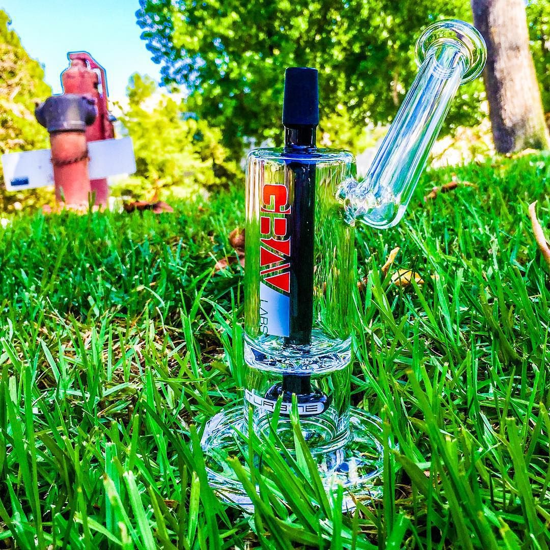 GRAV LABS - BLACK ACCENT TURBINE BUBBLER RIG in KING's Pipe Instagram. ✌️i This new rig is available for purchase on our online HeadShop!  www.kings-pipe.com #420