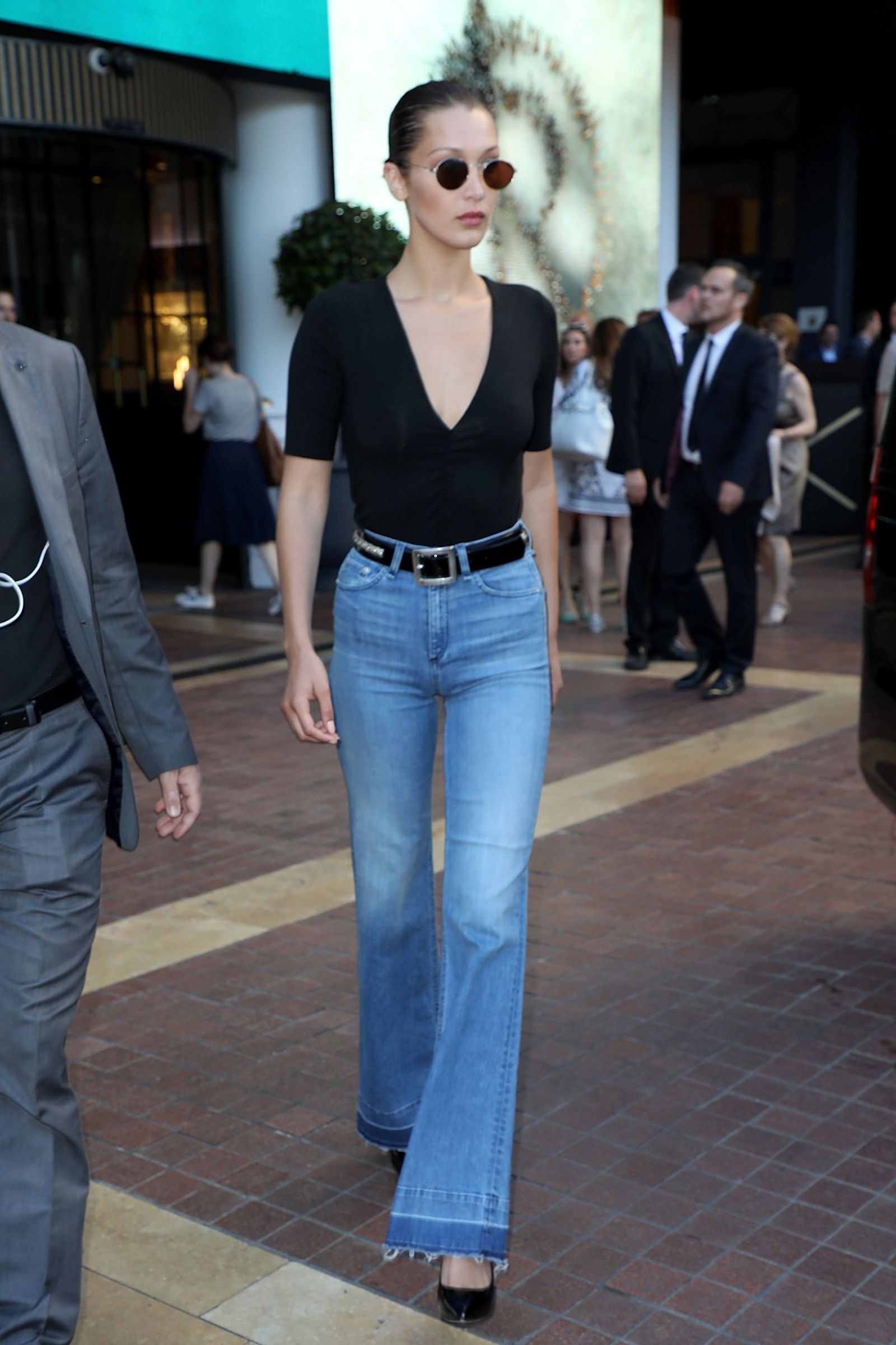 b179b68d470 Bella Hadid Rocked a 90 s-Inspired Trend in the Most Surprising Way ...