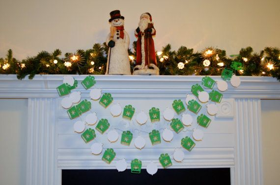 Hey, I found this really awesome Etsy listing at https://www.etsy.com/listing/167006160/christmas-paper-garland-green-white