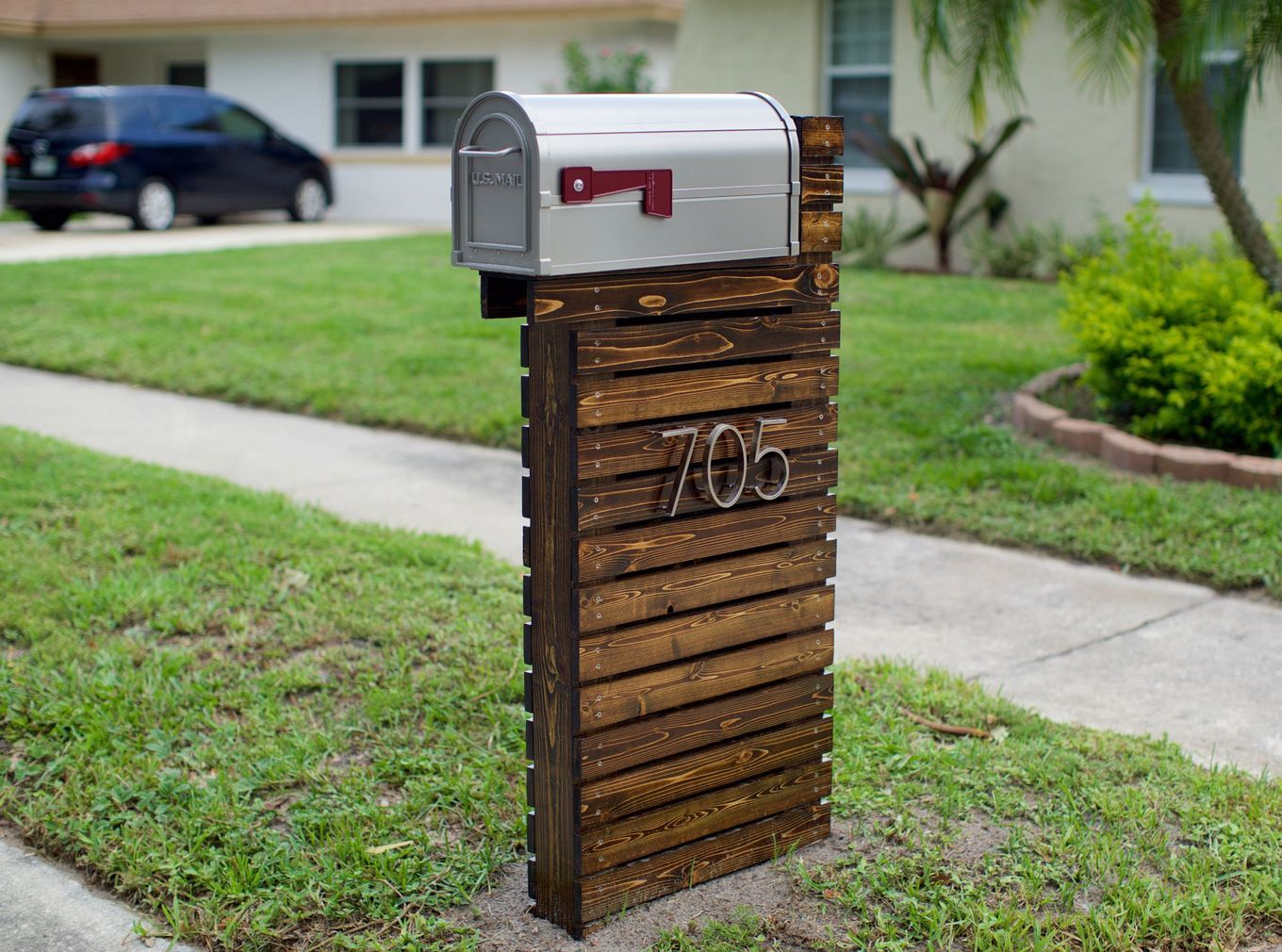 Diy Mailbox Wooden Mailboxwooden Fencemid Century Landscapingcontemporary