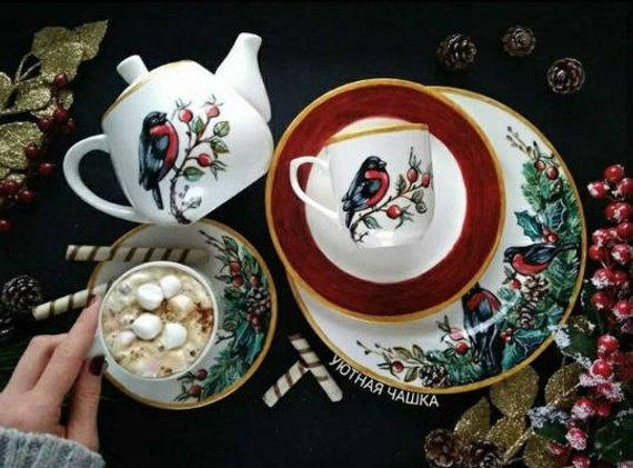 hand painted christmas dinnerware porcelain christmas decor pine rh pinterest es