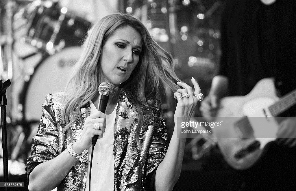 Nieuwsfoto's : Celine Dion performs on NBC's 'Today' at...