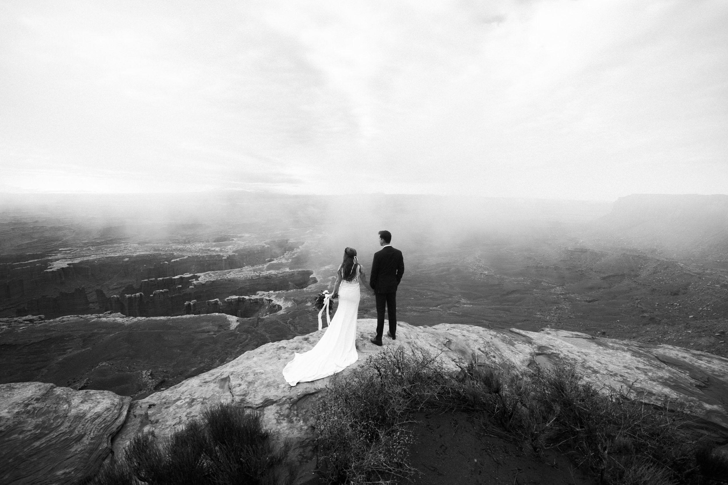 cliffside elopement in the desert Intimate weddings