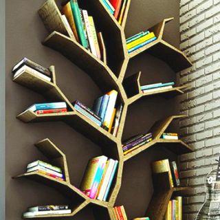 Tree bookstand