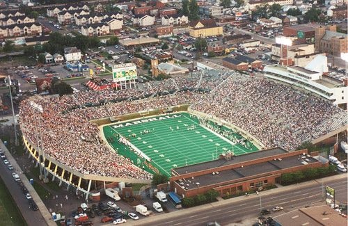 Joan C Edwards Stadium The Home Of Thundering Herd Football Which Opened In 1991 Is Located On 20th Stre Campus Marshall Thundering Herd Football Stadium