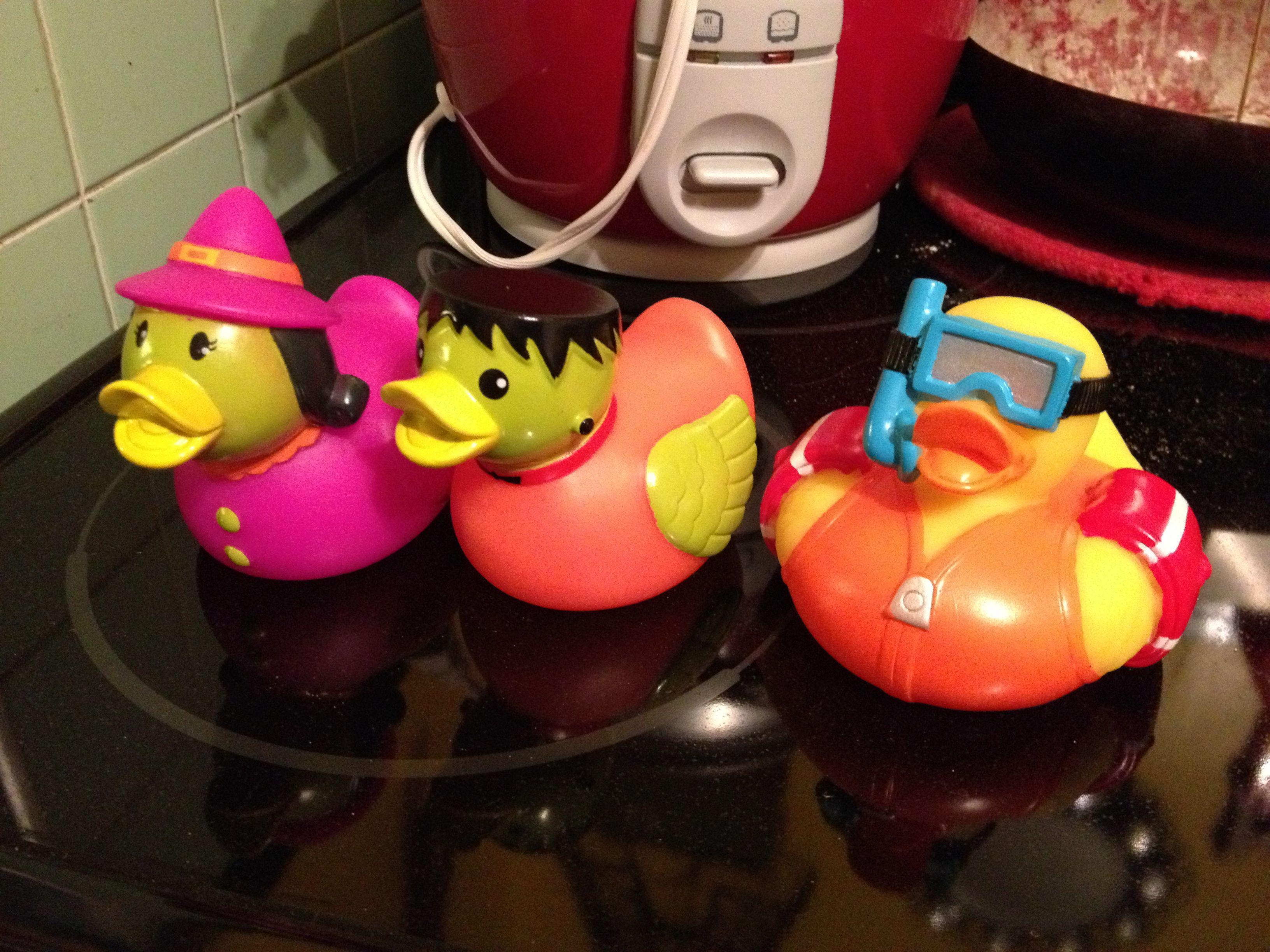 Rubber Duck Swimmer