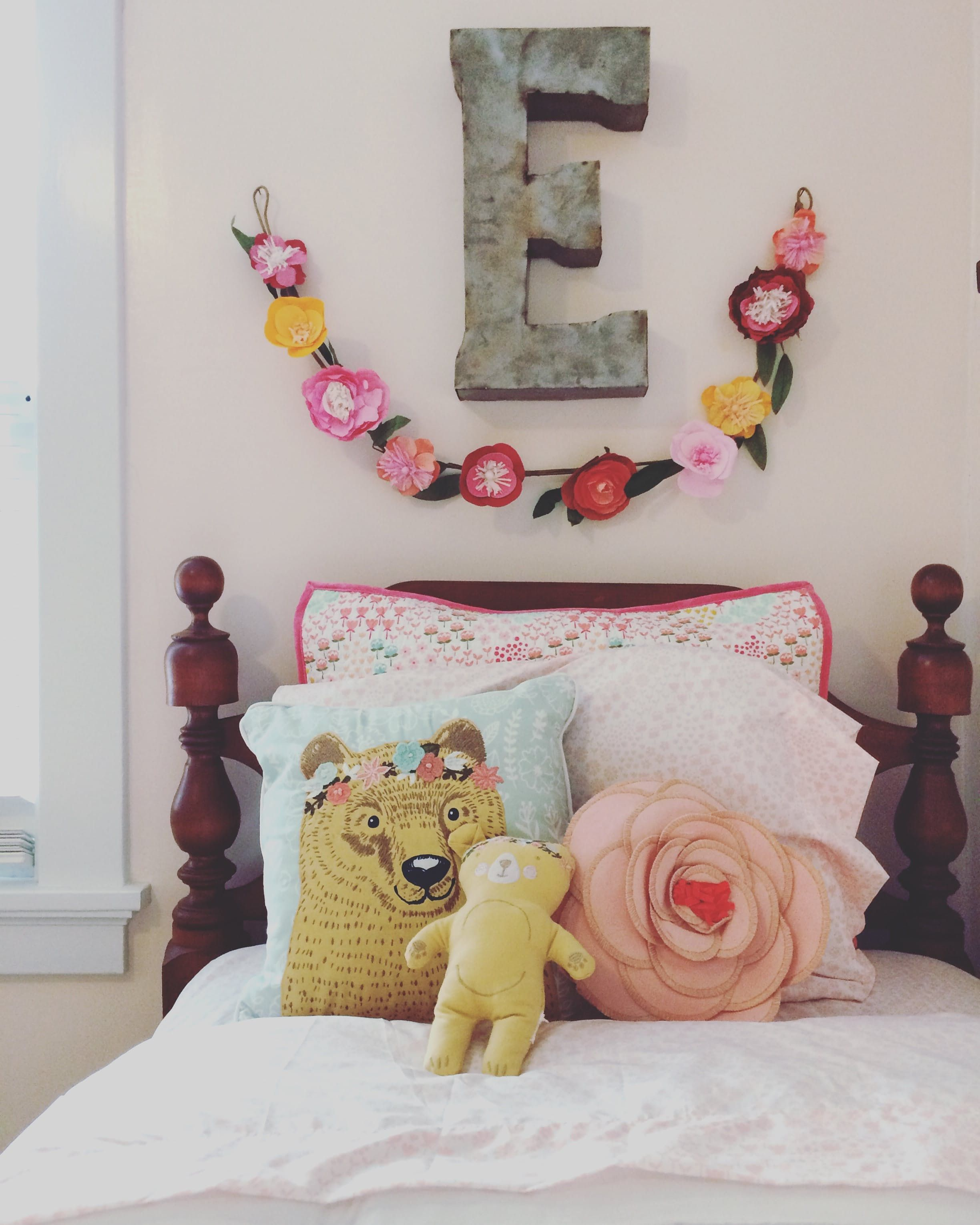 Girlu0027s Bedroom A Colorful and Cozy Family