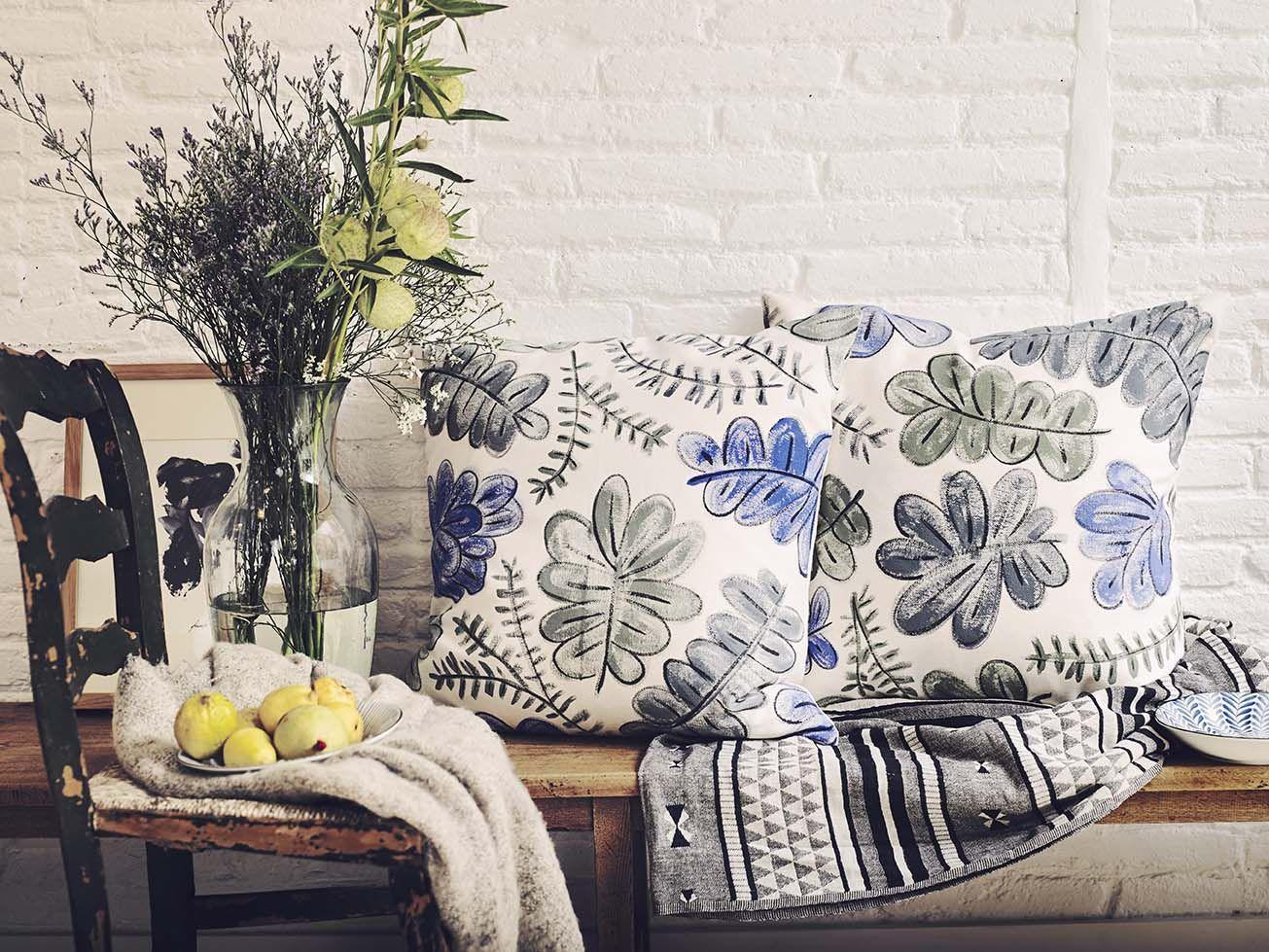Hojarasca Azules Y Verdes Sobre Crudo Conchita Plasencia  # Muebles Un Kuarto