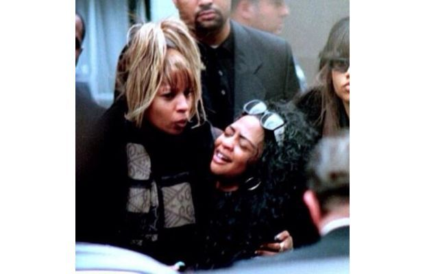 Mary J Blige Lil Kim At The Notorious B I G S Funeral