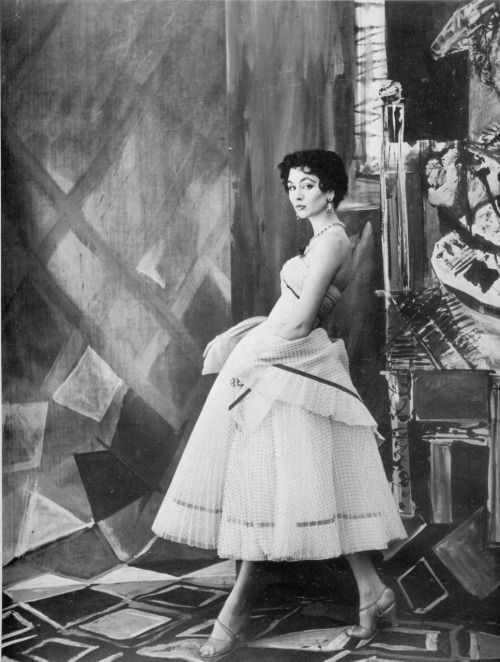 Anne Gunning, vintage models, Jeanne Lanvin, 1950s, Photography, Henry Clarke