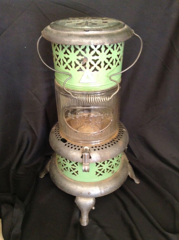 Vintage Perfection Kerosene Oil Heater 1686 With Pyrex Glass